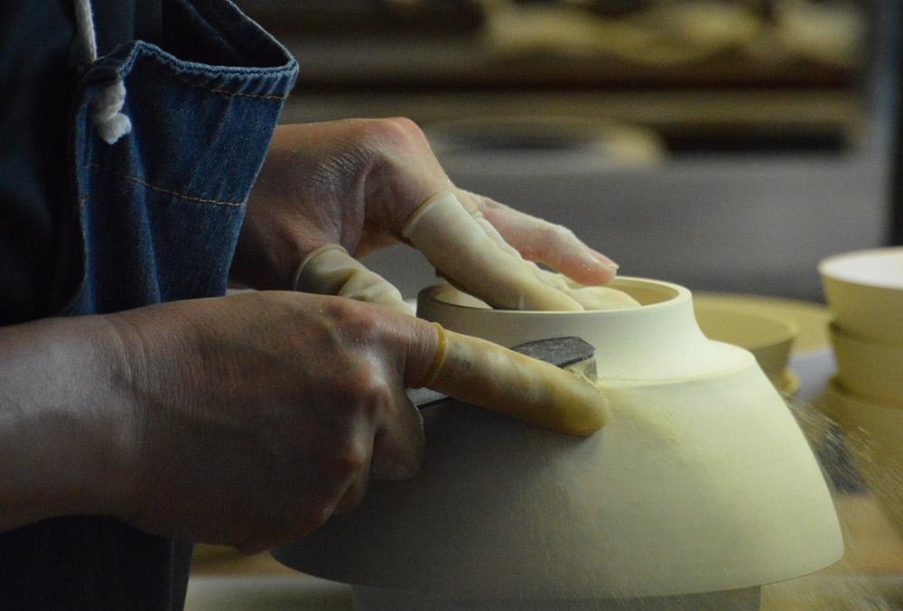 有田焼の手作業